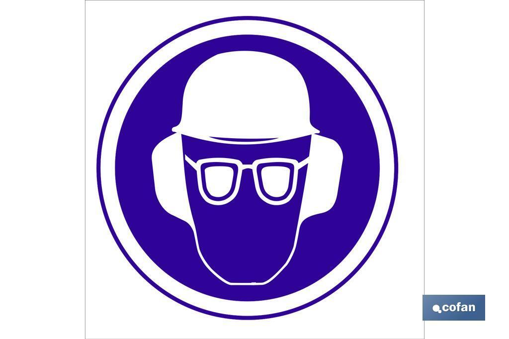 Obligatorio casco, gafas y orejeras