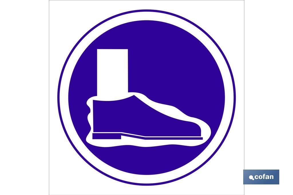 Obligatorio cubre calzado