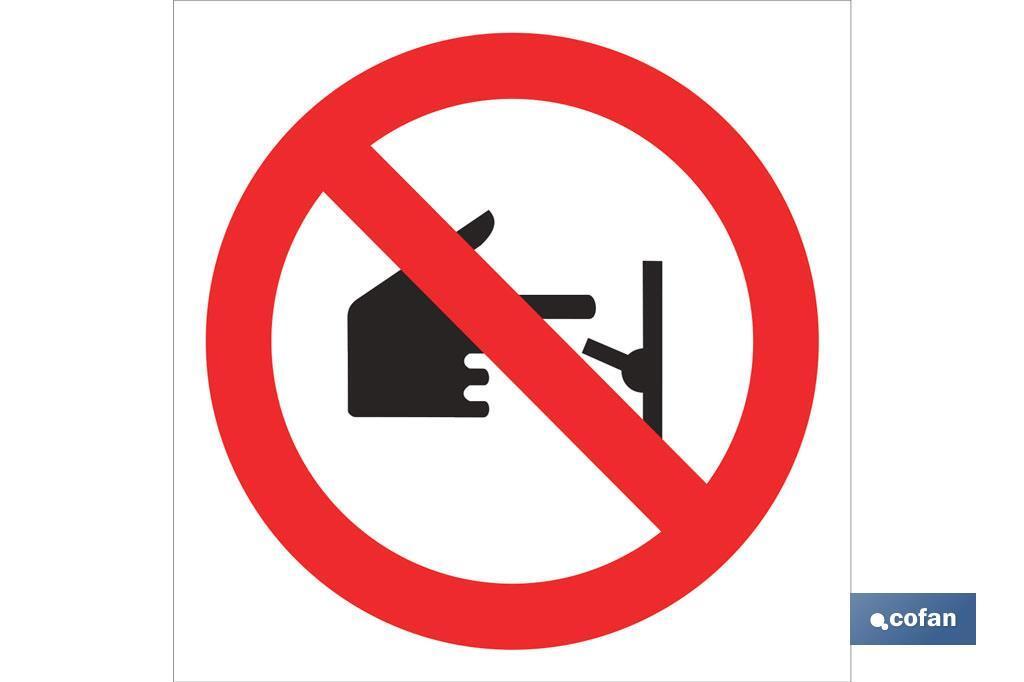 Prohibido tocar conector